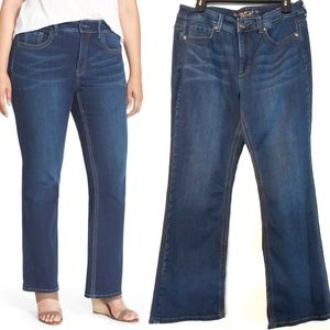 16 Melissa McCarthy Seven7 Boot Jeans